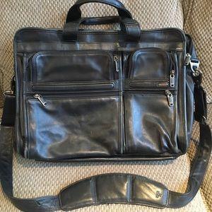 Tumi black briefcase laptop bag notebook organizer